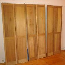 bifold doors in great condition. Willoughby Willoughby Area Preview