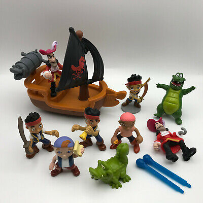 Jake and the Neverland Pirates Captain Hooks Battle Boat Ship Action Figures