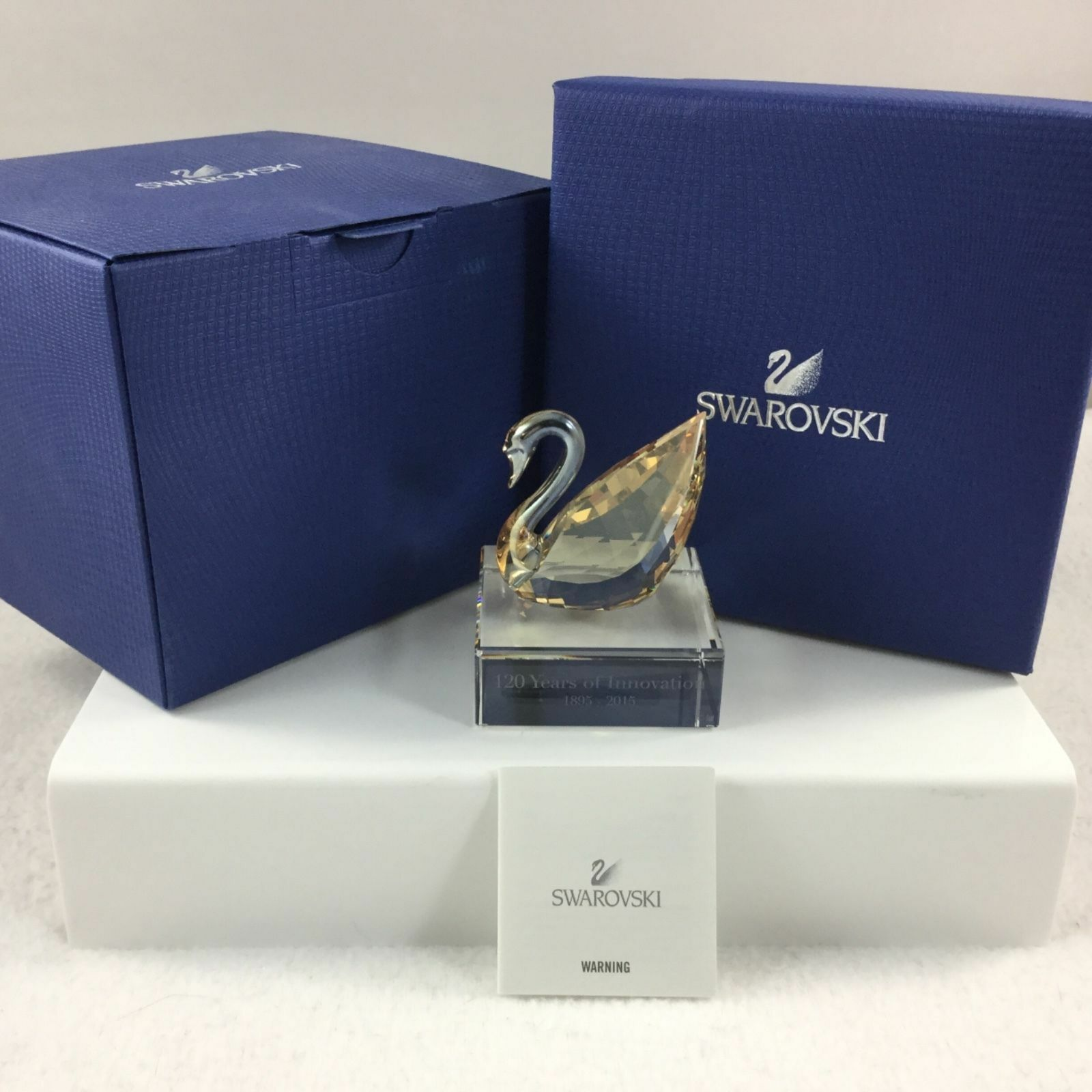 Swarovski SCS SWAN ON Crystal BASE Event Piece # 5137830 NIB Genuine