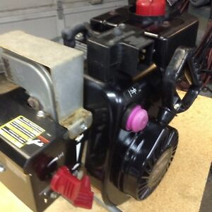 $180 SNOWBLOWER ENGINE TECUMPSEH 5.5 HP ELECTRIC START AS NEW