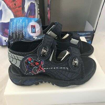 (KIDS SPIDERMAN SMART FIT NAVY CHARCOAL SANDALS W/KEYCHAIN WATCH NEW IN BOX 15956)