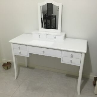 DRESSER/VANITY WITH MIRROR Middleton Grange Liverpool Area Preview