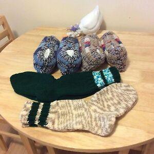 Bas de laine et pantoufles tricotés a la main Saguenay Saguenay-Lac-Saint-Jean image 1