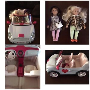 American Girl toy car and 2 small figures/dolls