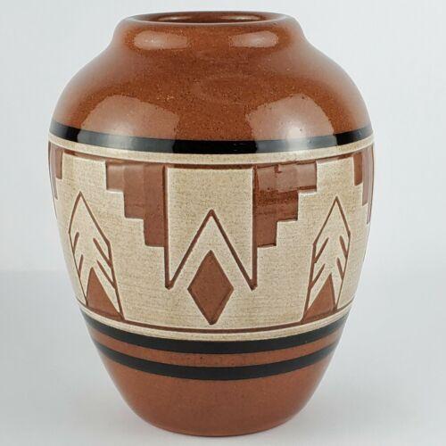 "Little Thunder Sioux Tribe Native American Pottery Vase Ceramic Tribal Pot 4.75"""