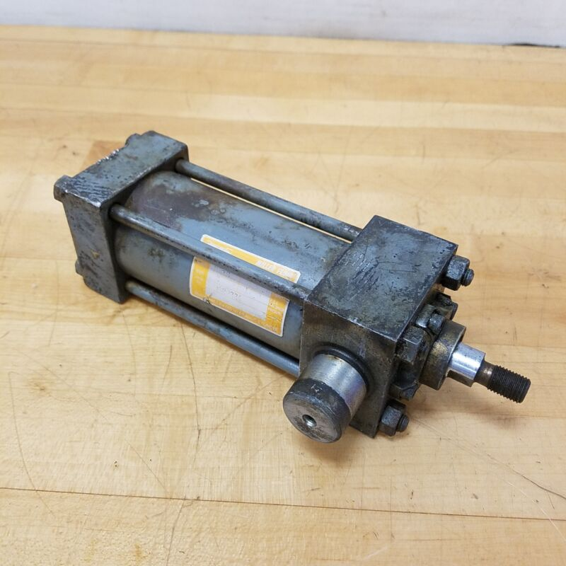 """Miller H81B, 2"""" Bore, 3"""" Stroke Hydraulic Cylinder. Psi 1930 - USED"""