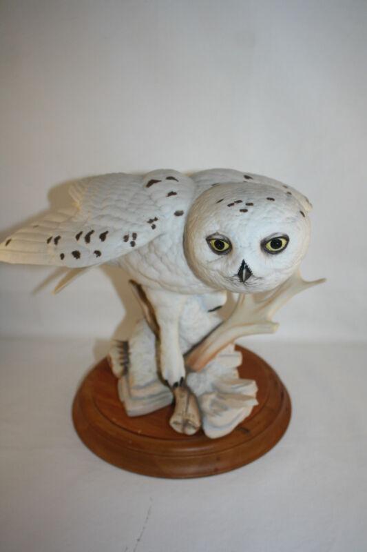 1990 FRANKLIN MINT THE SNOWY OWL BY GEORGE MCMONIGLE PORCELAIN SCULPTURE