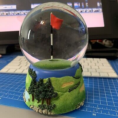 2007 Golf Water Globe Desk Decor Game