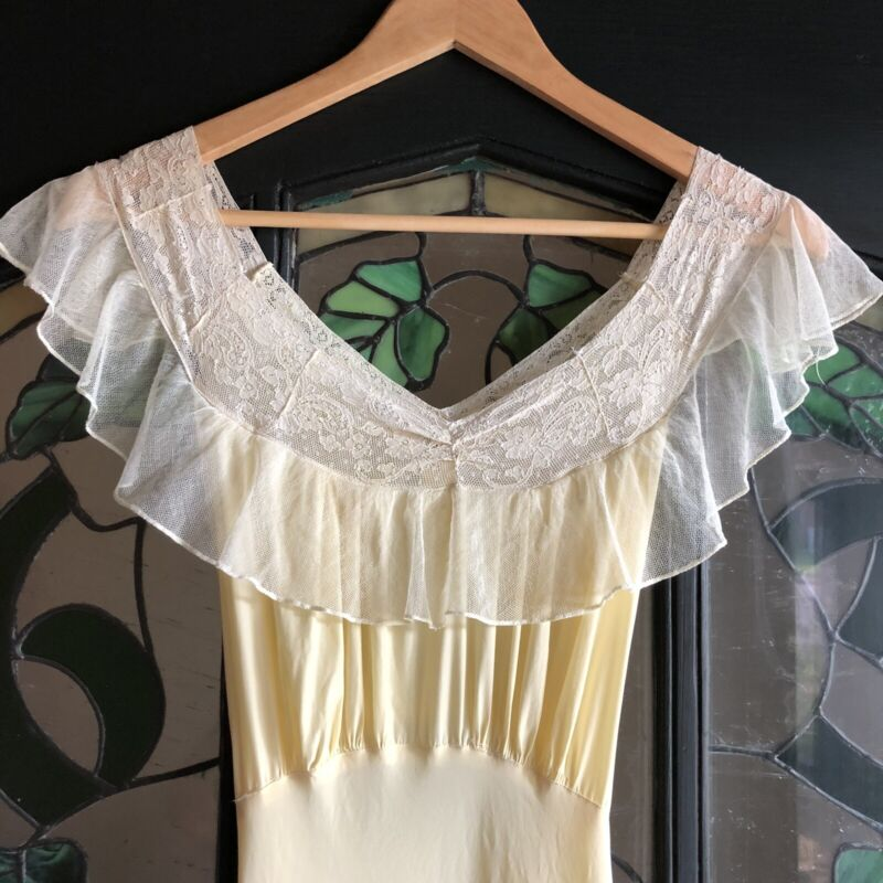 Vintage 1940s MISS LEONORA Canary Yellow Lace Rayon Nightgown Gown Of The Month