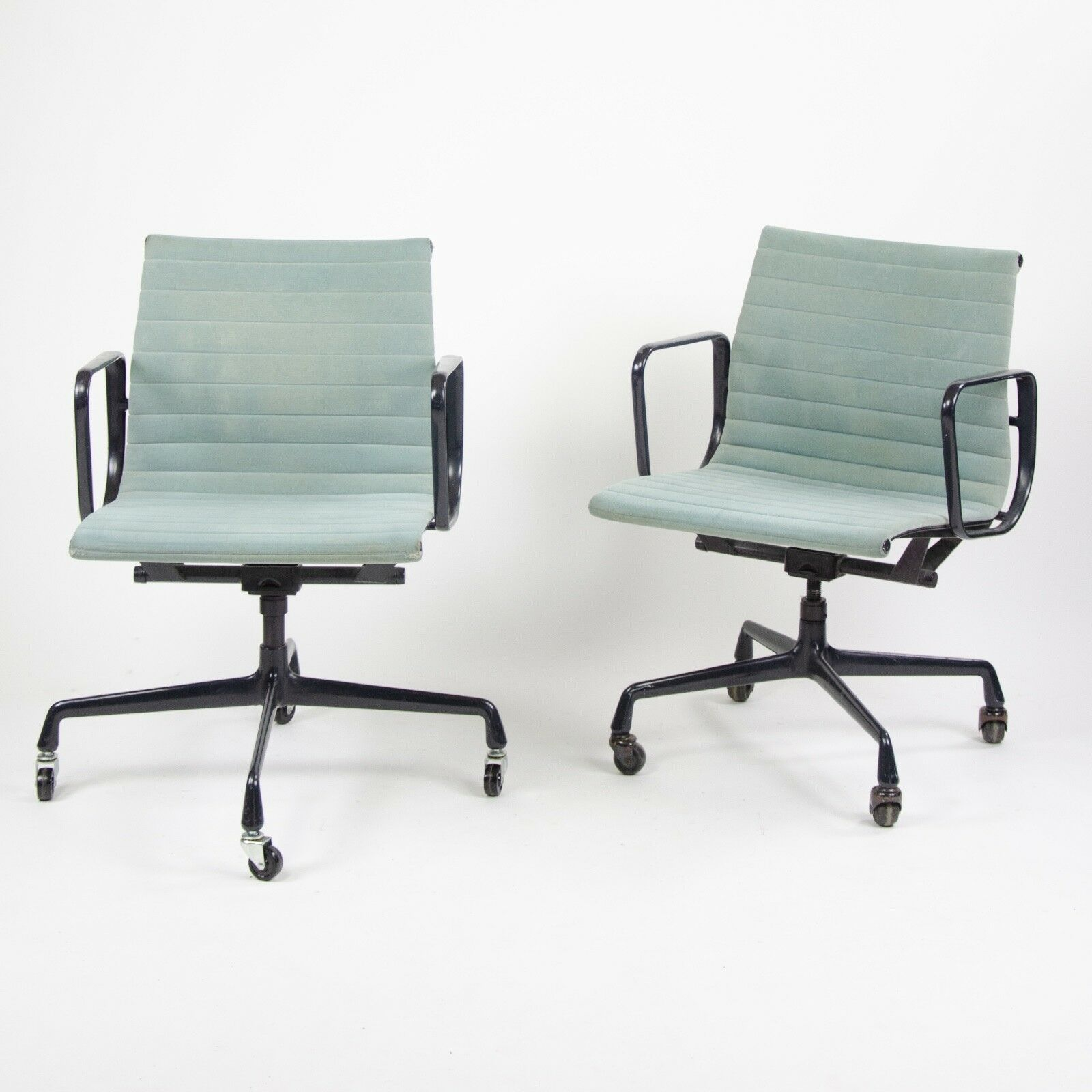 Details About 1985 Eames Herman Miller Aluminum Group Executive Desk Chair  Blue/Gray Fabric 2x