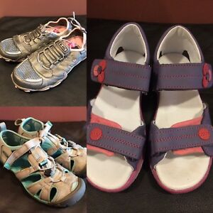 Girl shoes - size 3