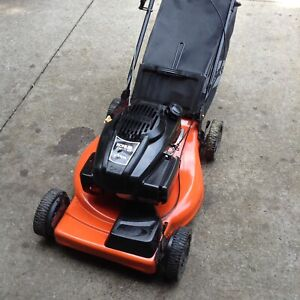 $150 ARIENS REAR BAGER SELFPROPELED  EXCELLENT SHAPE