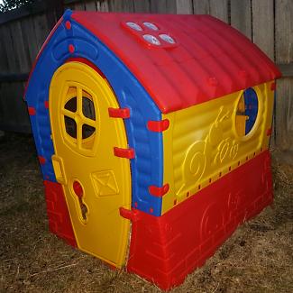 Kids Cubby house $60