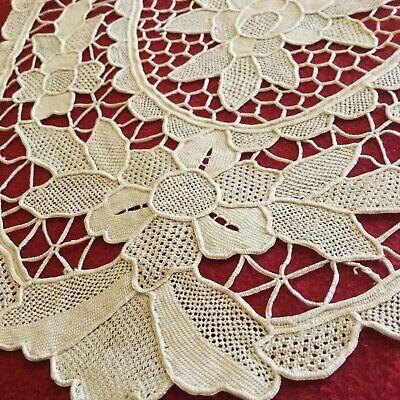 Centrino in merletto di Burano 45x30 cm