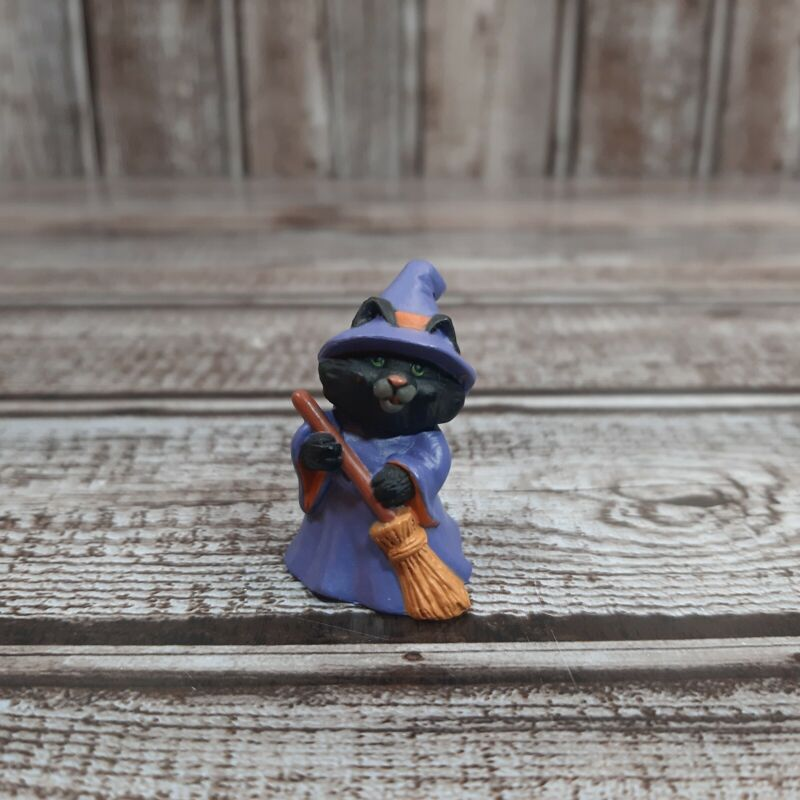 Vintage Hallmark Merry Miniatures Halloween 1991 Cat Dressed as Witch Gold Seal