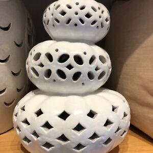 NWT Pottery Barn ~STACKING FILIGREE PUMPKIN~ Lg WHITE LUMINARY Candle ~HALLOWEEN