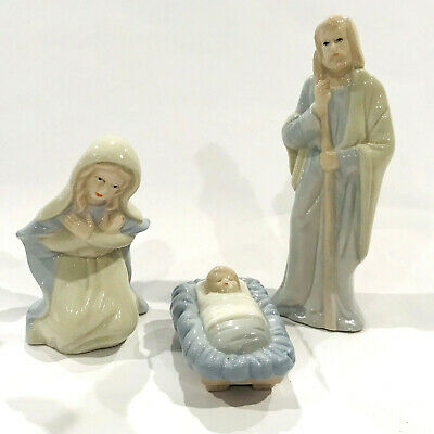 Vtg Christmas Nativity Set 10 Piece Dynasty Classics Porcelain White& Light Blue