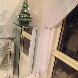 MIRROR PEDESTAL Coombabah Gold Coast North Preview