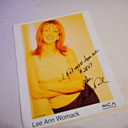 Autographed Lee Ann Womack   Color Publicity Photo