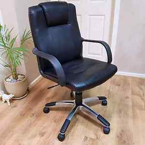Black leather and chrome office chair Salisbury Downs Salisbury Area Preview