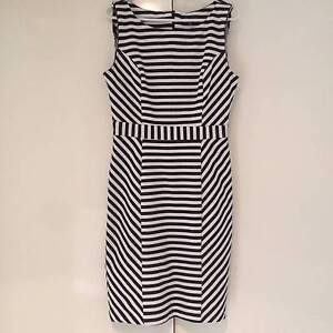 ladies black and white dress Summerland Point Wyong Area Preview