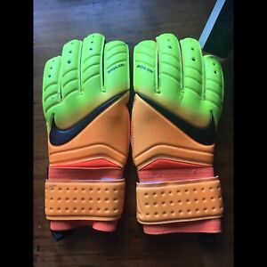 New Nike Soccer GoalKeeper Goalie Gloves Pro sz 9