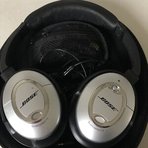 Bose headphone, noise cancelling