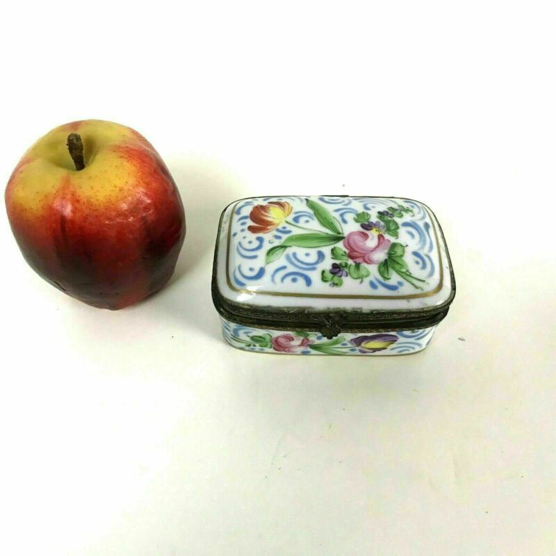 19th Century French Porcelain Trinket Pill Box