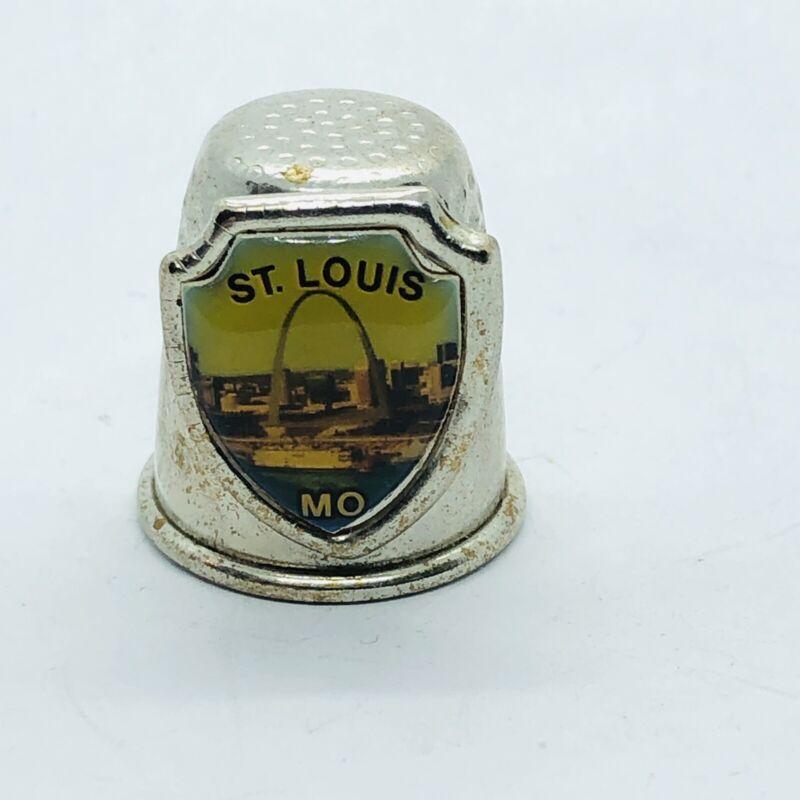 St Louis Missouri Souvenir Silver Tone Metal Thimble w/ Arch