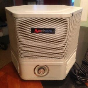 Mint condition Amaircare 2500 Hepa Air Purifier