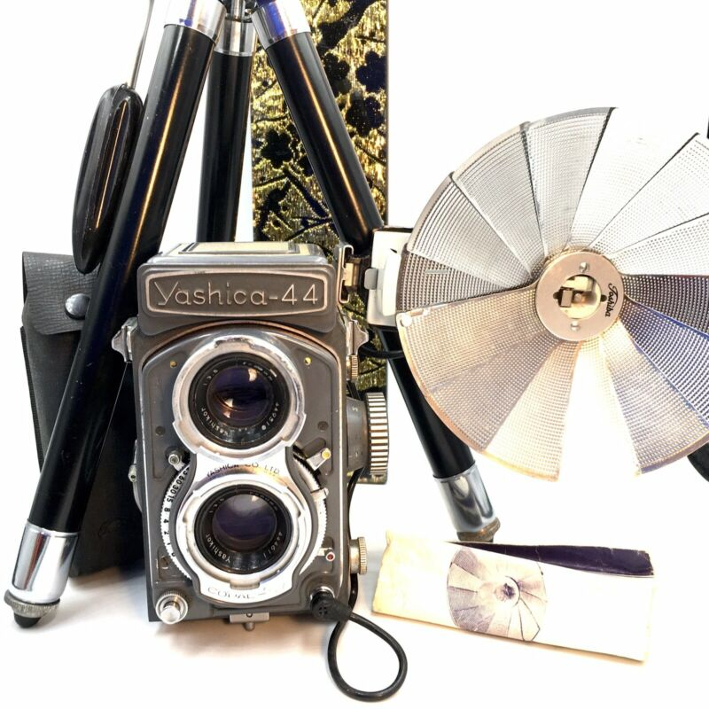 [NEAR MINT] YASHICA 44  TLR CAMERA  with Yashikor F/3.5 60mm  from JAPAN