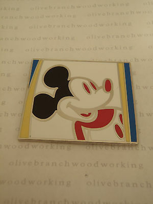 Close Up Gallery (WDW Walt Disney World CLOSE UP CLASSIC Mickey Art Gallery Mystery Set Pin LE1000)