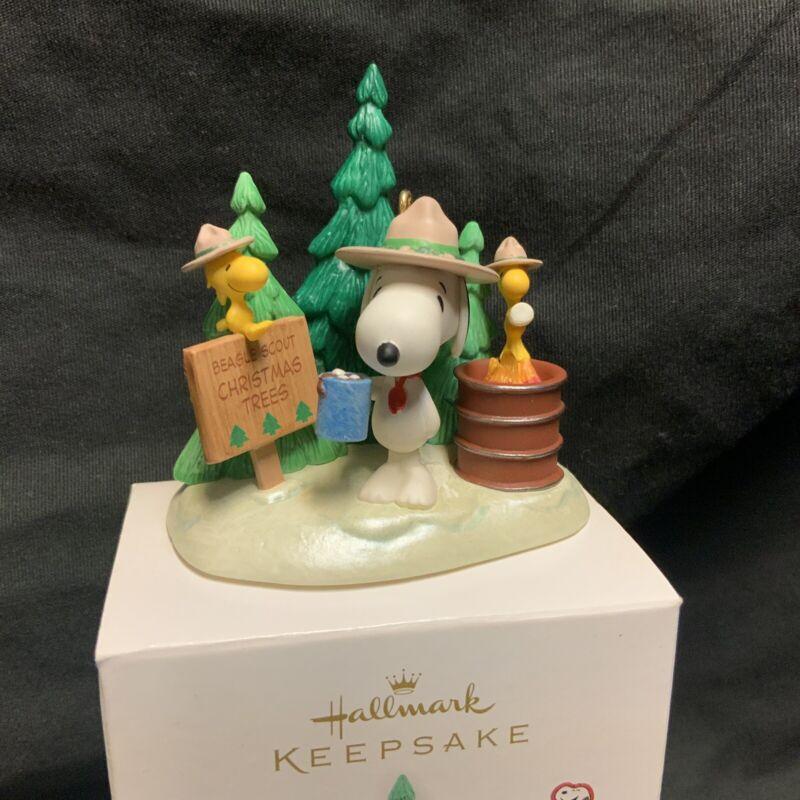 Hallmark Holiday En-tree-preneurs Beagle Scouts Snoopy Peanuts Christmas