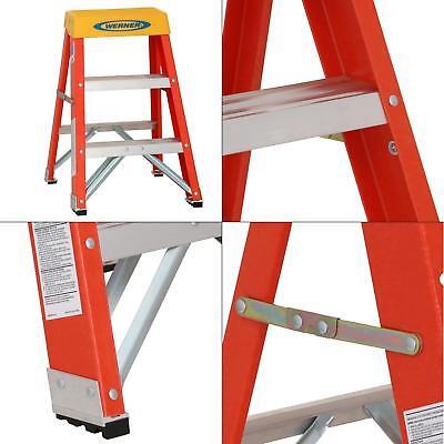 WERNER 6202 Step Stand,24 In H,300 lb, Fiberglass