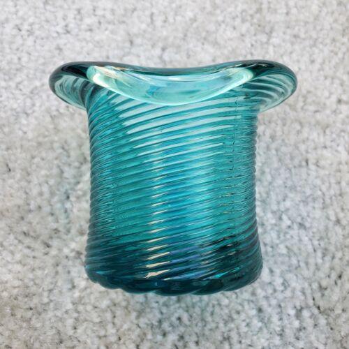 AVON TEAL GLASS HEIRLOOM SWIRL GLASS DESIGN TOP HAT VASE OR TOOTHPICK HOLDER