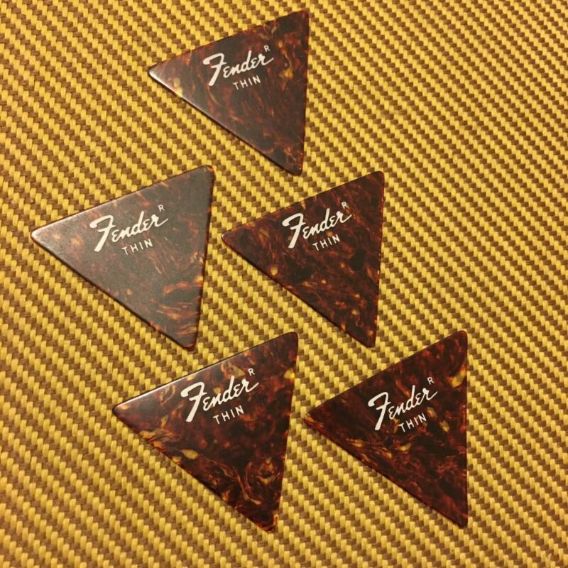 Vintage 1970s Fender Triangle Thin Set of 5 Guitar Picks No Circle R Case Candy