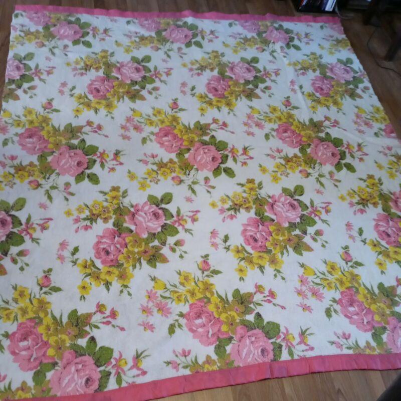 Vintage Floral Pink Blanket Roses 89x79