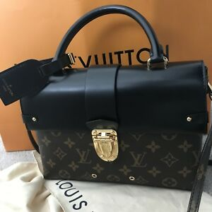 Authentic Louis Vuitton one handle bag/purse