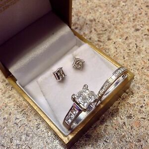 Beautiful 4 Carat set! Valentines is close.