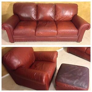 LEATHER COUCH+CHAIR+OTTOMAN FOR $250! DELIVERY AVAILABLE!