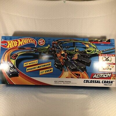 Hot Wheels Set Biggest Motorized Set Ever! Colossal Crash Track & 2 Cars (New)