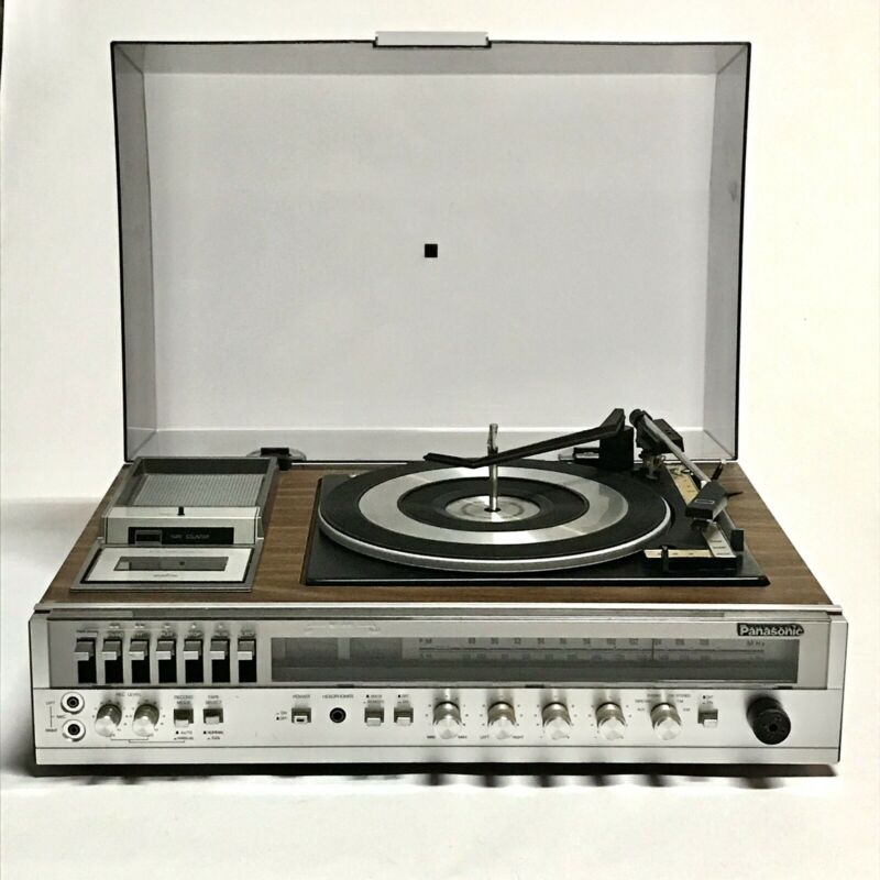 Vintage Panasonic SE-2650 Turntable Cassette Deck AM/FM - With Original Speakers