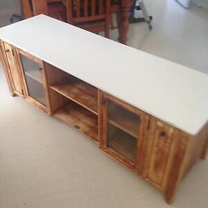 Timber tv cabinet South Windsor Hawkesbury Area Preview