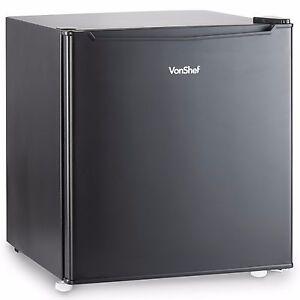 VonShef 47L Mini Fridge Table Top Small Drinks Beer Cooler Bar Freezer Ice Black