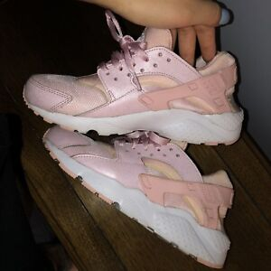 Rose Gold/Pink Huaraches Size 6.5Y/ 8 Women