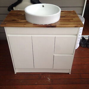 900 used vanity kickboard style Albion Park Shellharbour Area Preview