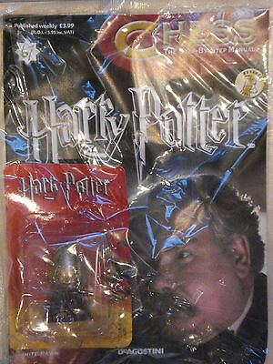 BNIB HARRY POTTER CHESS MAGAZINE NO.67 WITH THE THE GLOWING WHITE PAWN
