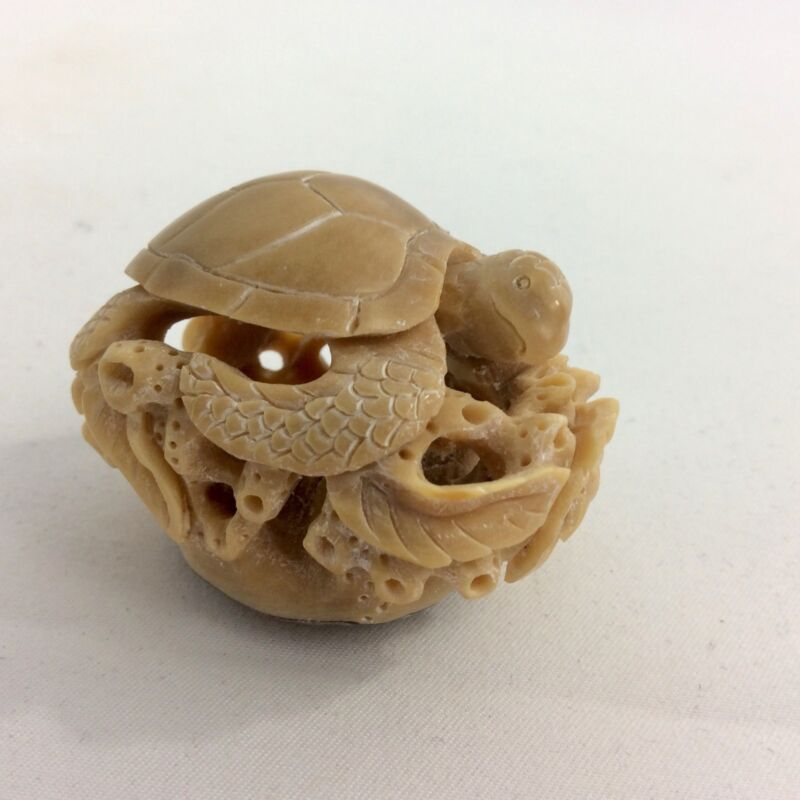Vintage Tagua Nut Turtle Marine Figurine Hand Carved With A Lot Of Details.