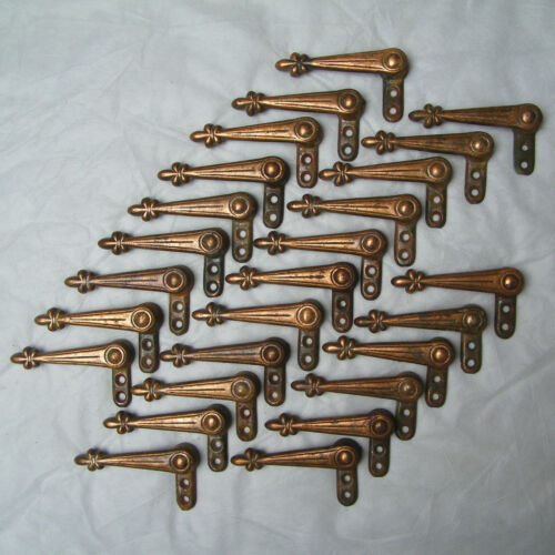 ANTIQUE LOT 26 CAST IRON STAIR HOLDER CLIPS FLEUR DE LYS CARPET GRIPS ALEXANDER