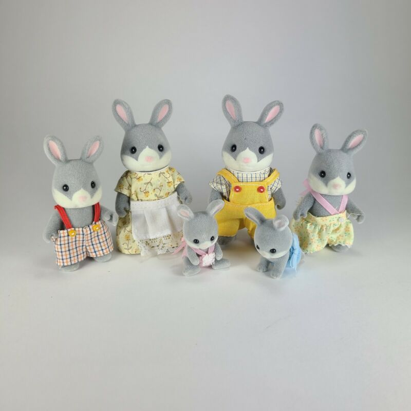 Calico Critters Sylvanian Families 1985 Bunny Rabbit Family Lot of 6